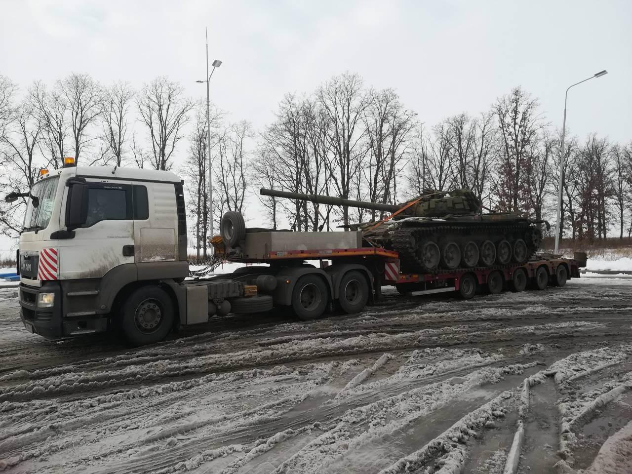 Доставка демилитаризованного танка Т-72 в Государственный военно-исторический музей заповедник «Прохоровское поле»
