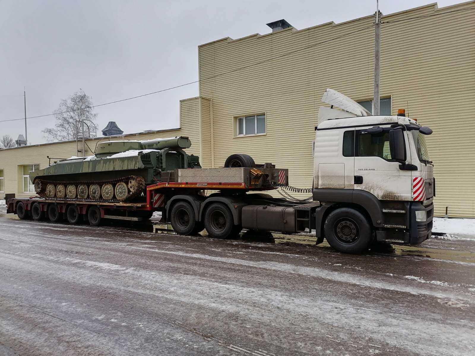 Перевозка танка в военный музей г. Тюмени